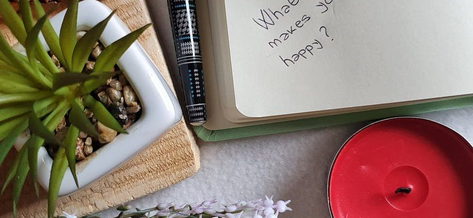 notepad with cookies and flowers